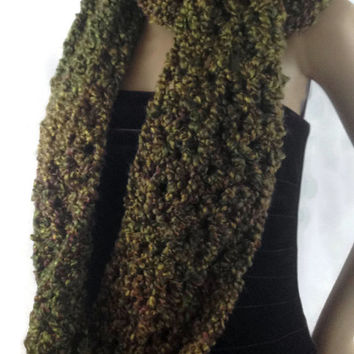 Outlander Claire Cowl Scarf Green Bulky Scottish Winter accessories Circle Scarf Crocheted Neckwarmer FREE SHIPPING