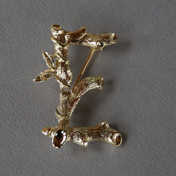 Vintage Initial E Brooch Sarah Coventry Gold Tone Bamboo Personalized Jewelry 1960's // Vintage Designer Costume Jewelry