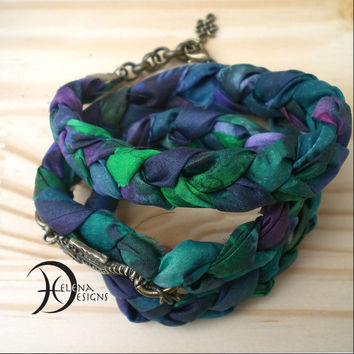 Hand dyed silk bracelet with a sea horse, Hippie bracelet, Sea horse bracelet, Batik bracelet, Hippie bracelet, Colorful wrap bracelet