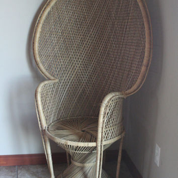 Vintage Wicker Peacock Chair - Fan Back - Bohemian Chic - Tropical Resort Lounge Chair - Portrait Photography Prop