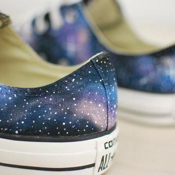 hand painted galaxy chuck taylor all star converse low tops