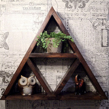 Rustic Triangle Shelf // Bathroom // Bedroom // Living Room // Zelda // Decor