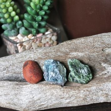 AWAKENING SET // Fire Agate, Blue Apatite & Raw Dioptase Healing Stone Set, Wicca Healing Stone Kit, Wiccan Altar Supplies, Rough Stones