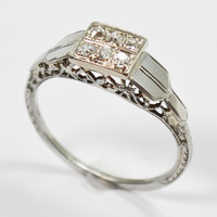 Vintage 18K Art Deco Diamond Filigree Ring