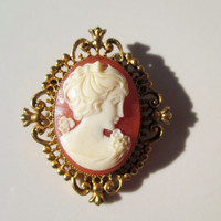 Vintage Cameo Brooch Perfume Locket AVON Gold