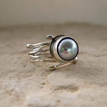 Grey Pearl  Ring - Modern Art Jewelry  - 925 Silver -  Fresh Water Grey Pearl -  Hands Collection