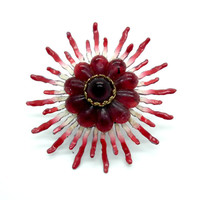Oversized flowery large ring, made from an antic brooch • Unique design • Ajustable, fresh flowery style.