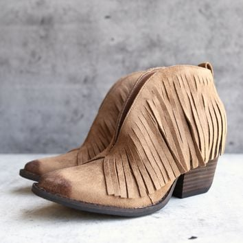 coconuts by matisse - lambert fringed bootie - saddle