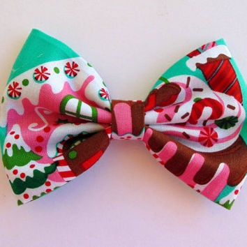 cookie hair bow, Gingerbread house hair bow. candy house hair bow, Christmas hair bow, christmas hair clip, hair bow, stocking stuffer