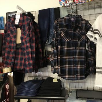 Women's plaid flannel long sleeve button down shirts