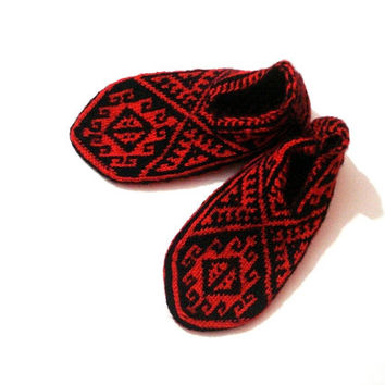 knit socks womens slippers, mothers day gifts, hand knit Red Black Turkish Slippers Socks Booties, Anatolia Slippers Socks, adult home shoes