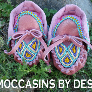 Baby Moccasins By Desi Beaded pink leather by Medicinebagsbydesi