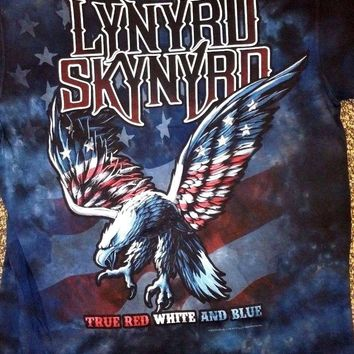 New LYNYRD SKYNYRD RED WHITE AND BLUE TIE DYE  LICENSED CONCERT BAND  T Shirt