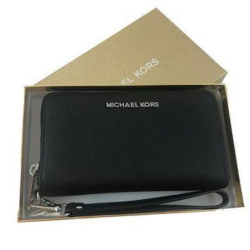 Michael Kors Giftables Jet Set Mf Zip Phone Case Wristlet