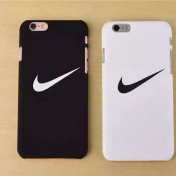 """Nike"" Printed in Black & White Iphone77 Plus & 6 6S Plus & 5S Cover Case +Gift  Box"