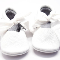 Snow White- Mary Jane Baby Moccasins