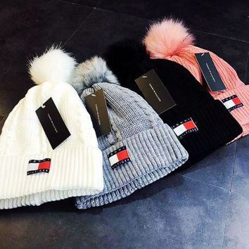 """ Tommy Hilfiger ""Fashion Casual Knit And Pom Hat Cap"