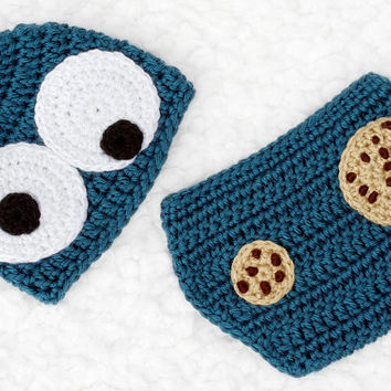 Crochet Cookie Monster Baby Hat and Diaper Cover Set // Photography Prop // Newborn Size