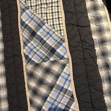 ONETOW POTTERY BARN TEEN PBT QUILT CHANEL STITCH PLAID / SOLID REVERSIBLE BLUES/WHITE