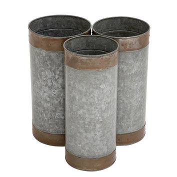 Attractive Styled Metal Galvanized Planter