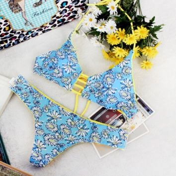 Sweet Daisy Print Two Piece Triangle Women's swimsuits Swimwear BK044
