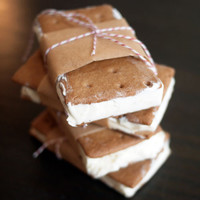 Key Lime Pie Ice Cream Sandwiches ? A Suicide of Deliciousness!