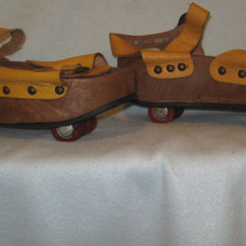 Vintage 1970s Womens Omnia'c Platform Sandals with Pop Out Skates - Made in Italy - Size 8 US, Size 38 EU, Size 5 UK