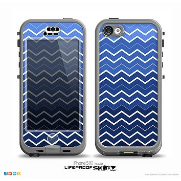 The Blue Gradient Layered Chevron Skin for the iPhone 5c nüüd LifeProof Case