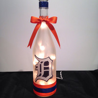 Detroit Tigers wine bottle lamp