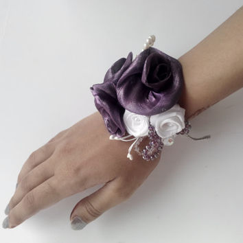 Wrist corsage, purple and white corsage, purple and white flower corsage, purple flower corsage, beads,party, bridesmaid, gift