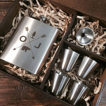 Groomsmen flask, personalized gifts for men, camping gift, hip flask, personalized flask,  custom flask, engraved flask, gift set, 7 oz
