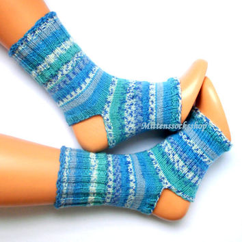 Knitting Pattern For Flop : Best Flip Flop Socks Products on Wanelo