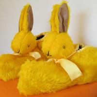Rabbit Head Unisex Slippers.Yellow Plush Fur,Plush Lined,Made to Measure,US Mans Size 10,Warm Foot Gear,Unisex Indoor Shoes,Easter Present.