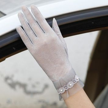 Brand 2017 Women Summer Gloves Touch Screen Sunscreen Anti-slip Guantes Lace Gloves Female Car Driving Gloves Thin Silk Mittens