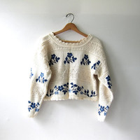 20% OFF SALE...vintage cropped sweater. floral sweater. cream & blue sweater
