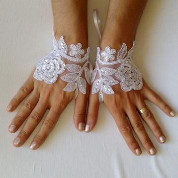 free ship white sequins glove bracelet bridal cuff french lace gauntlets guantes white wedding woman accessories modern
