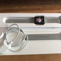 Apple Watch Series 2, 38mm Gold