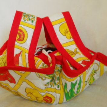 Kitschy Casserole Carrier Tote Vintage Quilted Garden with Red, Yellow, and Green Vegetables