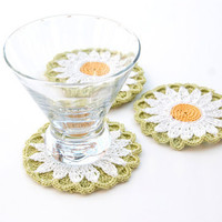 Coasters // Hand Crocheted // White Shasta Daisy // Housewarming Gift // Gift for the Home // Wedding Gift