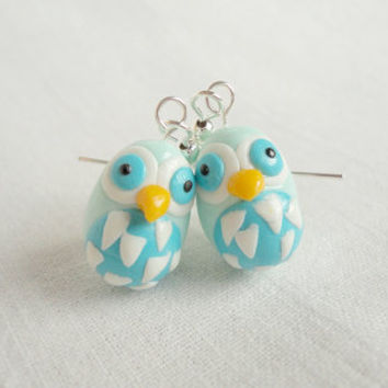Bird hatcling earrings mit green and turqoise by NellinShoppi