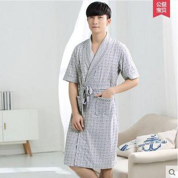 Men Cotton Blend plaid Bathrobe Long Sleepwear with Pockets Male Lounge Home Clothing Japanese Kimono Style Yukata robes 122702