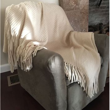 Deluxe Knitted Throw Blanket - Ivory