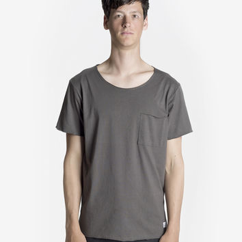 Basic Raw-Cut Elongated Short Sleeve Tee in Gunmetal Gray