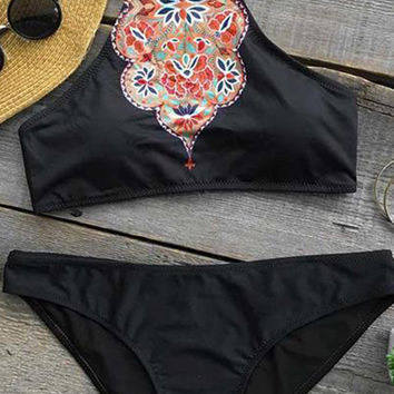 Cupshe Heart Bloom Floral Bikini Set