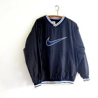 vintage NIKE coed pullover windbreaker. black and blue sweatshirt. slouchy nylon workout shirt. athletic wear