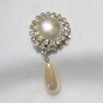 Round Rhinestone Brooch w Faux Pearl Drop, Silver Tone, Costume Jewelry, Estate Brooch, Pin, Clear Rhinestones, Crystals