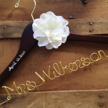 Custom Wedding Dress Hanger, Gold Personalized Hanger with Date, Bride Hanger, Custom Hanger, Wedding Hanger, Mrs Hanger