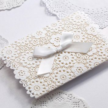 100pcs/lot Laser Cut Wedding Invitations Bowknot White Invitation Card For Party Supply Free Printing Birthday Cards CW5059