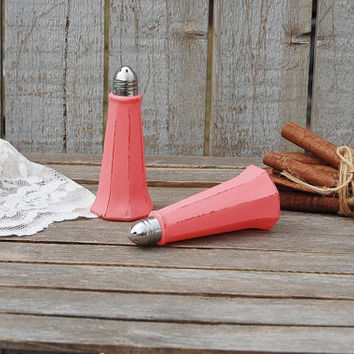 Salt and Pepper, Shaker Set, Coral, Eiffel Tower, Tower Shaker, Shabby Chic, Glass, Wedding, Hand Painted, Distressed