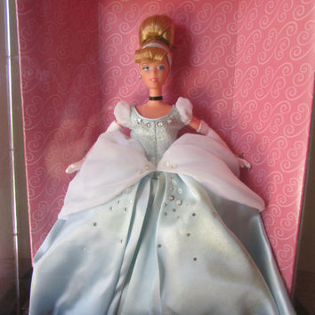 Cinderella Signature Collection Limited Edition #19660 by Mattel for Disney - The Signature Collection Doll